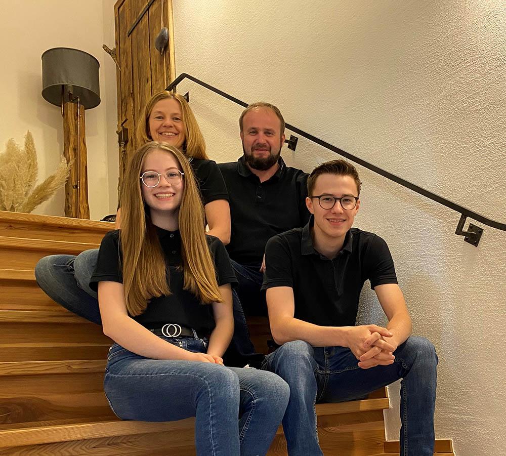 Holzkultur Kropf - Familie Kropf
